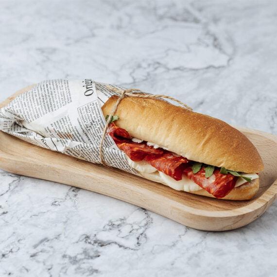 Sandwich Bagheta cu Salam Ventriciana